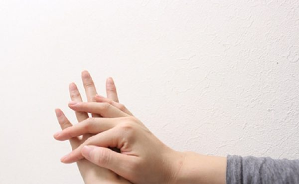肌の乾燥について。原因、注意点、改善法まで徹底網羅!